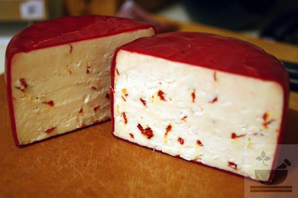 Сыр с паприкой
