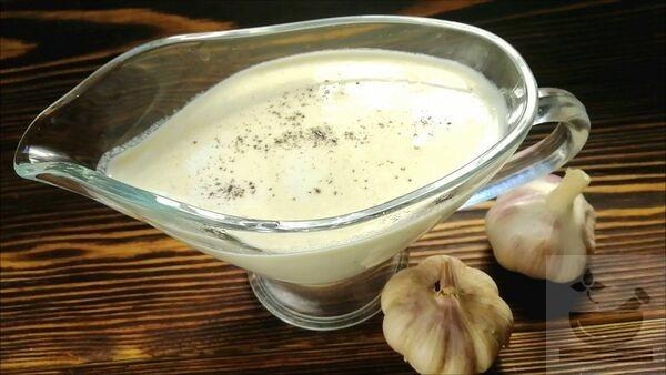 Сливочно-чесночный соус
