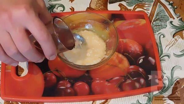 Процесс приготовления чесночного соуса