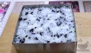 Слой риса с листом нори