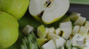 Подготавливаем яблоко