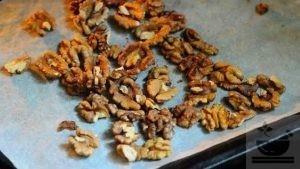 Подготавливаем грецкие орехи