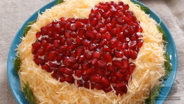 Праздничный салат на День Святого Валентина