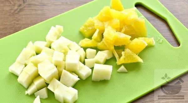 Апельсин и яблоко в салате