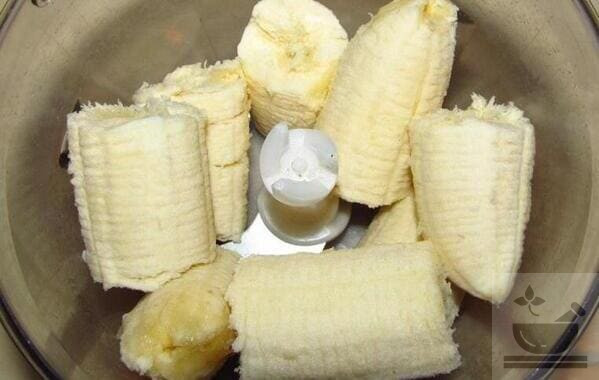 Банан сбиваем в блендере